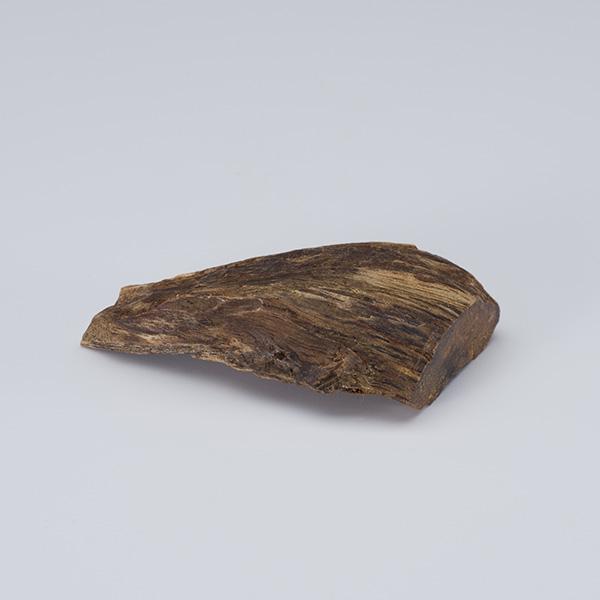 伽羅(きゃら) 原木姿物 六国「伽羅」 5.3g