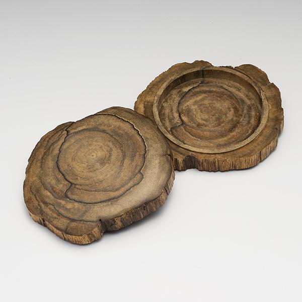 沈香(じんこう) 香合 原木型 極上タニ沈香 57g 桐箱入り
