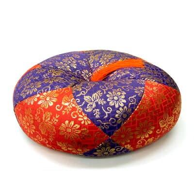 ふとん 丸型総金襴(赤紫) 6寸