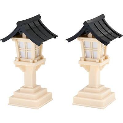 春日灯篭(黒屋根)(一対) 高さ18cm