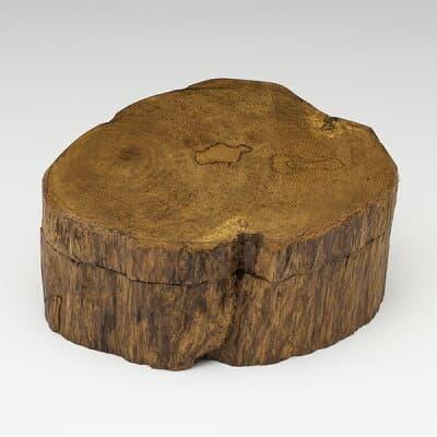 沈香(じんこう) 香合 原木型 特上タニ沈香 34g 桐箱入り