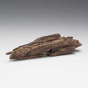 伽羅(きゃら) 原木姿物 六国「伽羅」 49.8g