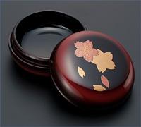 蒔絵入ぼかし塗り香合 溜桜 1.8寸